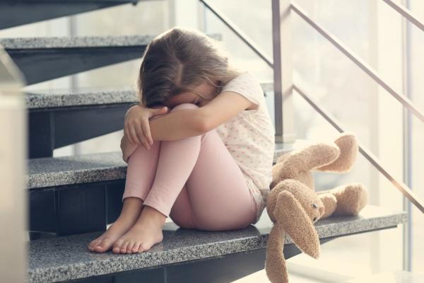 Το έντονο άγχος πριν την ηλικία των 6 ετών επηρεάζει τις δομές του εγκεφάλου