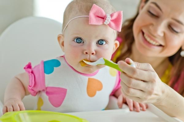 Οδηγίες για τη διατροφή των παιδιών κατά το πρώτο έτος της ζωής τους