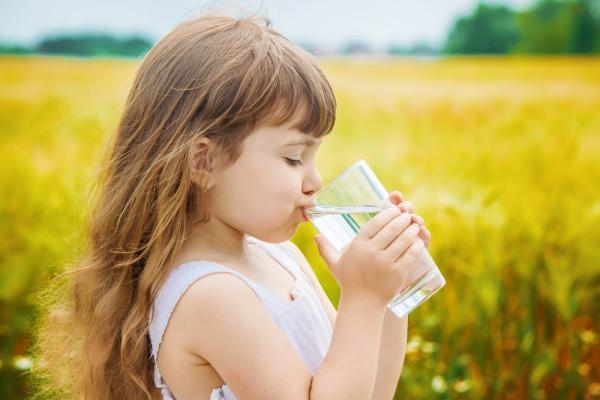 Πόσο νερό μπορώ να δώσω στο παιδί μου;