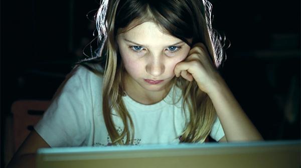 Μεγαλώνοντας σε διαδικτυακό περιβάλλον