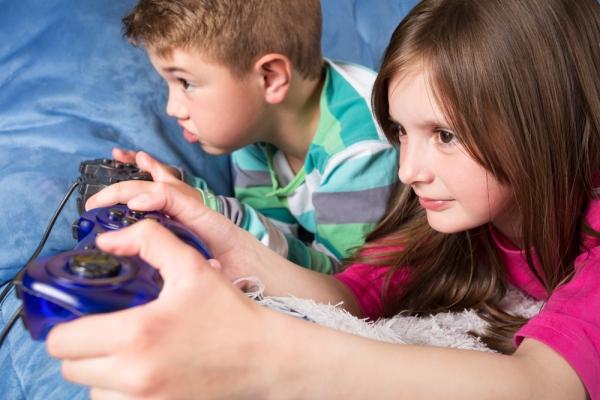 Τα φετινά Χριστούγεννα αγοράστε το κατάλληλο ηλεκτρονικό παιχνίδι για το παιδί σας
